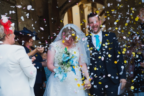 confetti at coventry registry office, west midladns