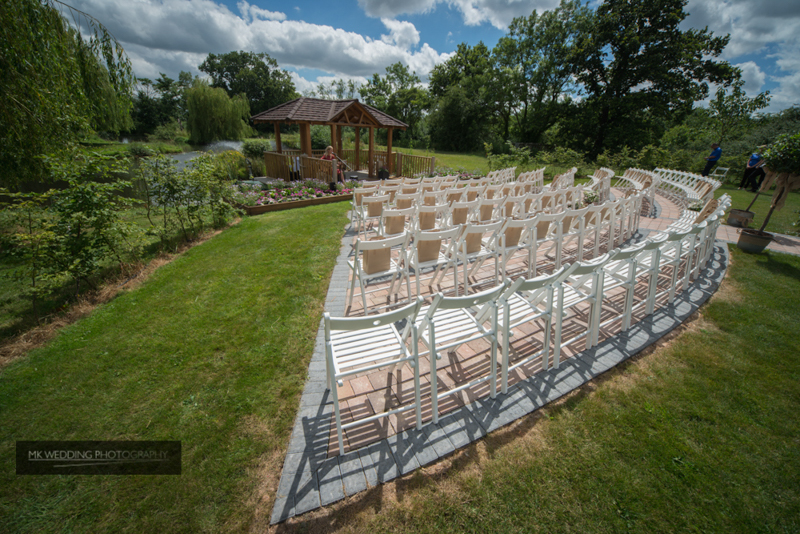 outdoor wedding at Wootton Park