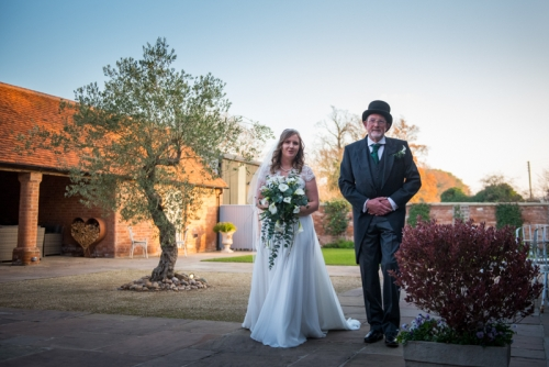 swallows nest barn by west midlands wedding photgrapher