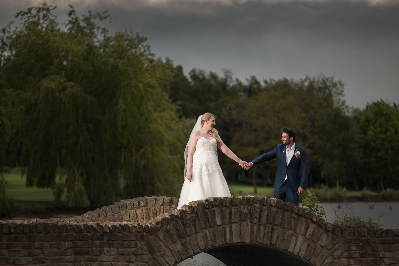 mk wedding photography - creative and natural wedding photography in coventry west midlands