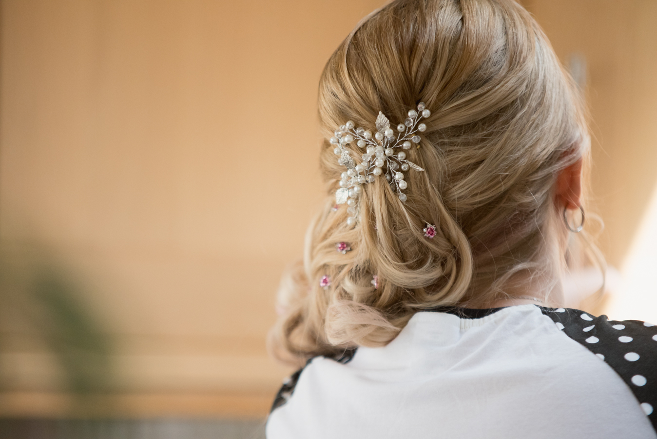 bride preparation, hairdressing by coventry wedding photographer